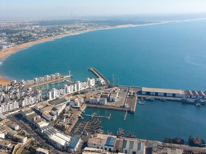 Plage d'Agadir. Comment lutter contre la pollution ?