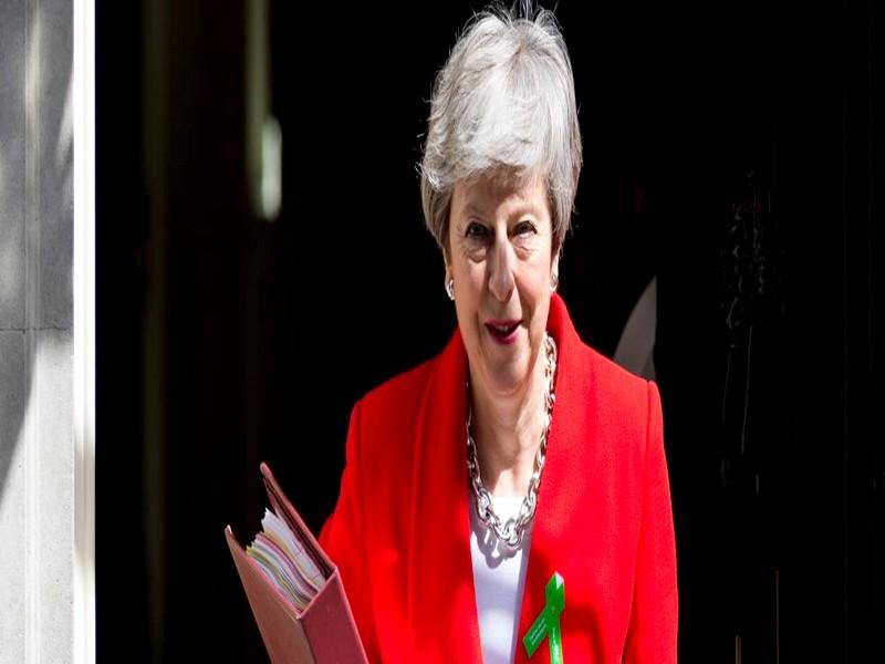 Brexit : Theresa May va faire une